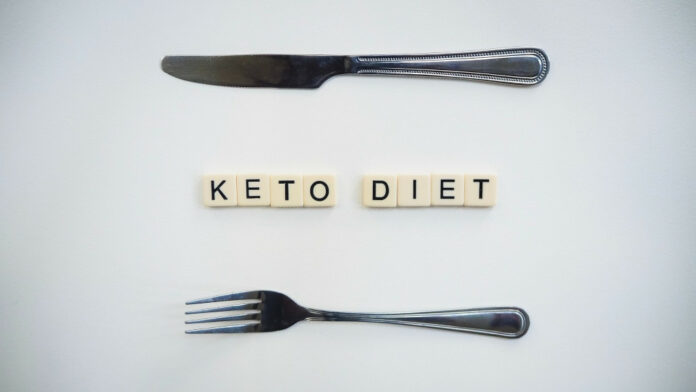 eat fruits on the keto diet